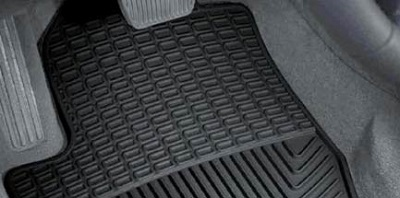 Automašīnas gumijas paklāji